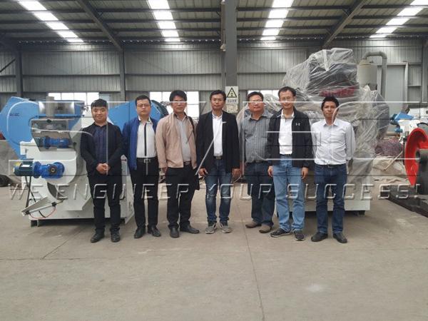 simec-engineers-and-thailand-customers